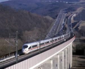 Cine va reconstrui căile ferate din Europa Centrală: China sau UE?