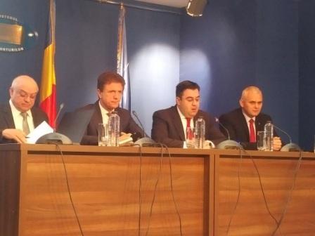 Pe repede-nainte pentru Euro 2020. S-a semnat contractul pentru linia ferată de aeroport