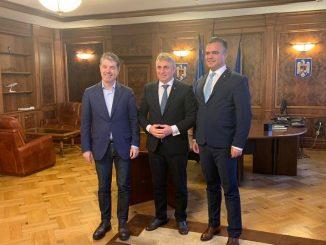 Ministrul Lucian Bode a discutat cu primarul George Scripcaru despre modernizarea Gării Brașov